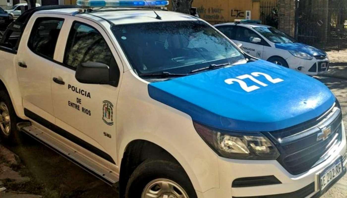 Un joven de 22 años inició el fuego de forma intencional dado que habría intentado quitarse la vida; ocurrió anoche en el Barrio La Tablada, en Concepción del Uruguay. El muchacho fue rescatado y permanecía internado en observación.