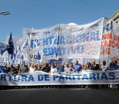 Paro nacional contra las políticas económicas del gobierno de Macri.  Por Liz Cané